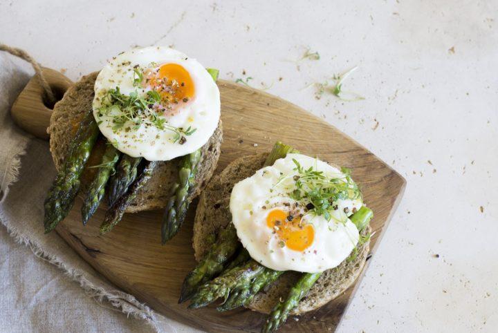 アスパラ卵サンドイッチ