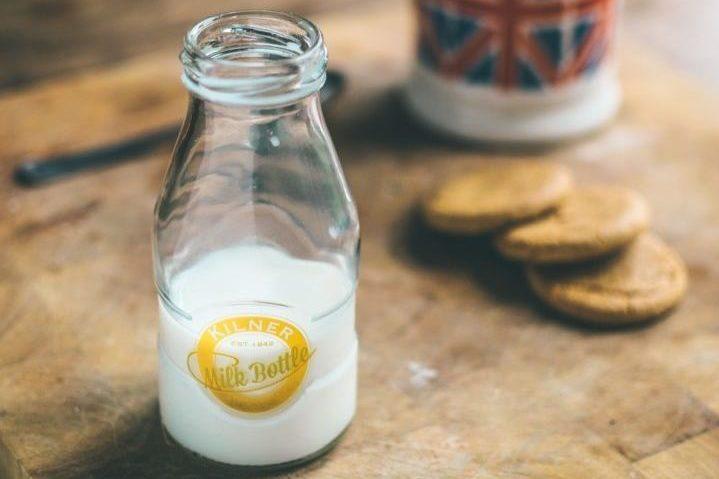 少量の牛乳