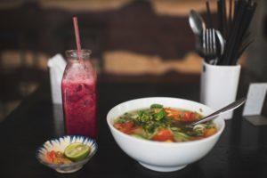 ベトナム料理のフォーの出汁