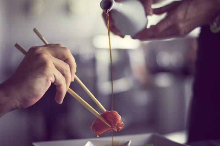 ビーガンやベジタリアンは食べないが、ペスカタリアンは食べる魚介類の刺身