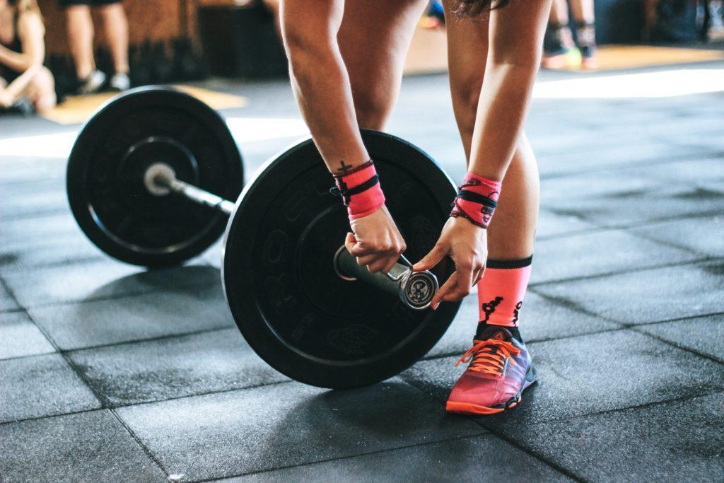 筋トレやヨガ、ランニングなど、運動する人はより多くのタンパク質が必要