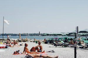 骨の健康に欠かせない栄養素、ビタミンD生成にも有効な日光浴