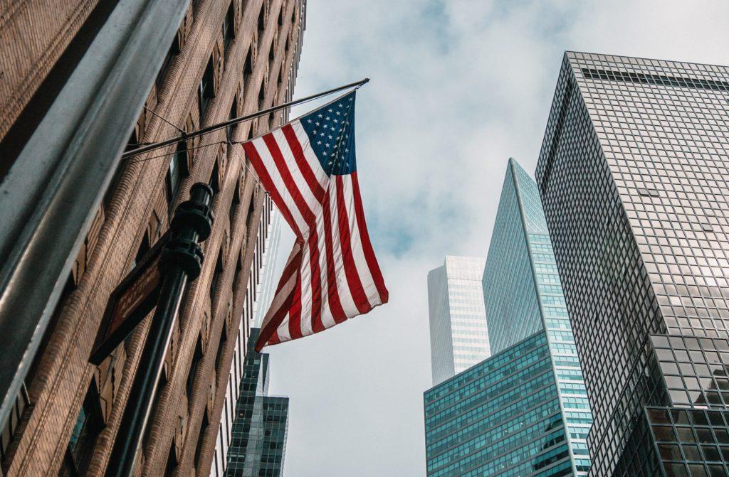 アメリカ星条旗とロックフェラー
