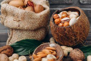 鉄分も豊富なナッツ類